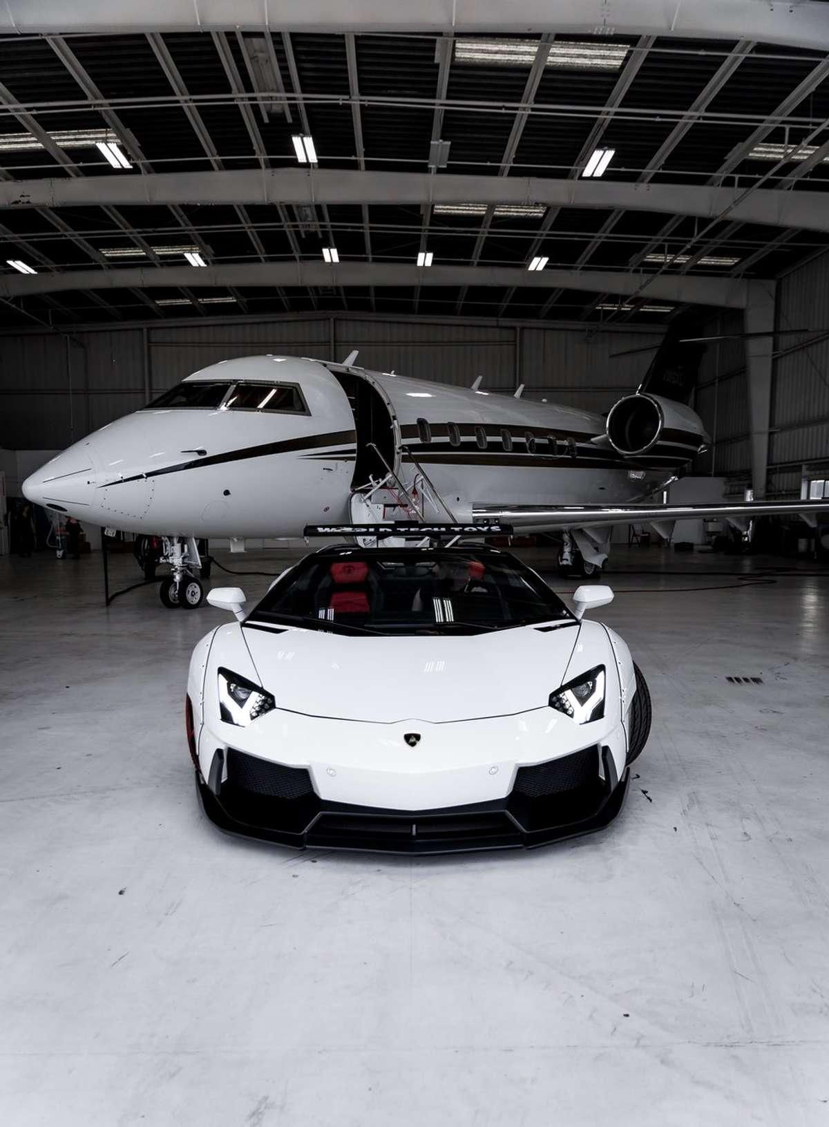 luxury-plane-user-centered-design-tapptic-xl